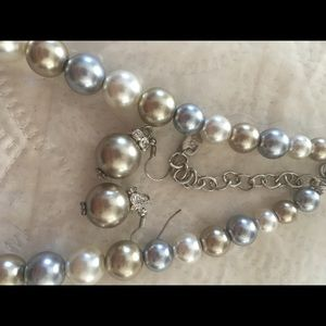 Jewelry - Pearl Necklace and Earrings Set